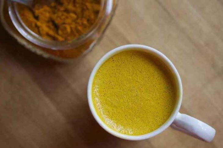 Ceai de turmeric – această băutură vindecă corpul și conferă longevitate