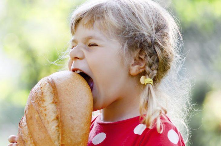 Ce se întâmplă dacă mănânci pâine și produse de patiserie în fiecare zi, uitând de prejudecăți