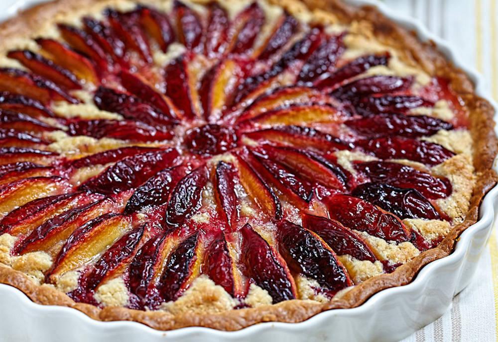 Tartă cu prune – un desert deosebit cu prune coapte