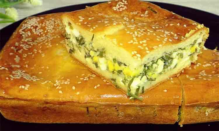 Paine umpluta cu ceapa verde si oua. O pacinta delicioasa si usoara